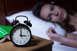 Nguyên nhân không ngờ khiến bạn thức giấc cùng thời điểm mỗi đêm