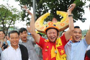 Không khí lễ hội tại Bukit Jalil trước chung kết lượt đi AFF Cup