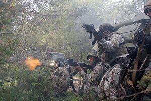 Ukraine sắp đánh ồ ạt vào Donbass?