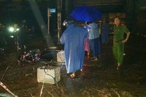 Điện giật chết người trong lũ: Kéo dây điện... cảnh báo ngập
