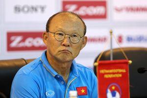 'Bầu' Đức chi 800 triệu đồng/tháng trả lương cho HLV Park Hang Seo