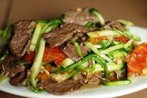 Món ngon mỗi ngày: Thịt bò xào rau cần giòn ngon