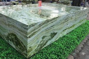 Sập đá xanh ngọc 'khủng' nặng 16 tấn khiến đại gia mê mẩn