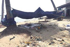 Thi thể người đàn ông chân bị buộc đá trôi trên biển