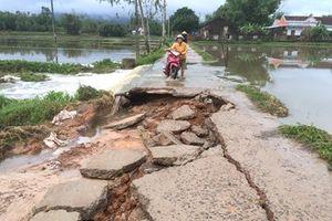Sau Đà Nẵng và Quảng Nam, Bình Định cũng tả tơi vì ngập lụt