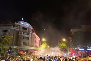 TP.HCM cấm xe tải, taxi vào trung tâm để người dân cổ vũ bóng đá
