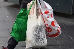 Trong vòng 3 tháng nước Úc đã cắt giảm được đến 80% túi nhựa