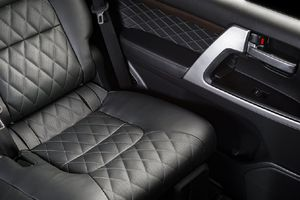 Ngồi chỗ nào trong ô tô là an toàn nhất?