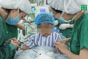 Bé gái 3 tuổi trở thành bệnh nhân ung thư vú trẻ nhất thế giới