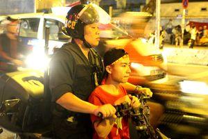Tạm giữ 64 xe máy 'đi bão' ở Sài Gòn sau trận hòa của tuyển Việt Nam