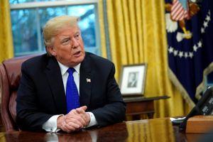 Tổng thống Trump nói người dân sẽ nổi loạn nếu ông bị luận tội