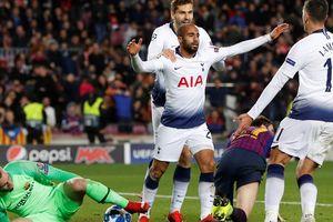 Salah cứu á quân Liverpool, Tottenham thoát hiểm Champions League