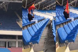 CĐV 'hot' nhất trận chung kết lượt đi AFF Cup: Một mình tới sân Mỹ Đình cổ vũ cho tuyển Việt Nam vì nhầm lịch