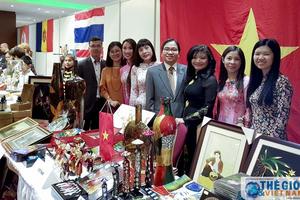 Đại sứ quán Việt Nam tham dự Hội chợ từ thiện quốc tế lần thứ 11 tại Ba Lan