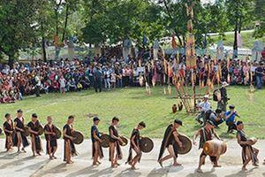 Hơn 700 nghệ nhân tham gia Tuần văn hóa - du lịch Kon Tum