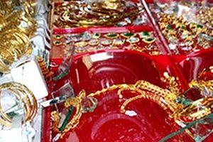 Một chủ tiệm kim hoàn báo bị cướp 21 cây vàng