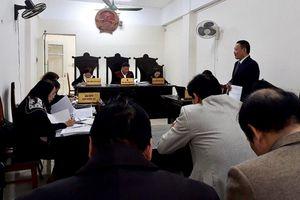 Đề nghị hủy quyết định của Bộ trưởng Giáo dục đối với ông Hoàng Xuân Quế