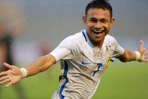 Malaysia có 3 điểm đầu tiên sau trận cầu 'thủy chiến'