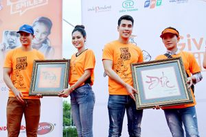 Dy Khả Hân thể hiện tấm lòng nhân ái khi đóng góp vào quỹ cho trẻ em hở hàm ếch