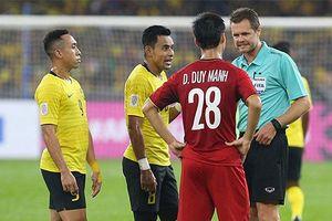 Trọng tài từng xử 'ép' U23 Việt Nam tiếp tục gây bão cho đội tuyển Việt Nam trước Malaysia tại AFF Cup 2018