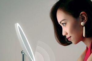 Gương trang điểm gắn đèn LED