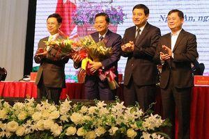 Chân dung tân Phó Chủ tịch UBND tỉnh 44 tuổi của Nghệ An