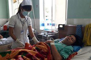 Cứu sống bệnh nhân bị đạn găm trúng cổ