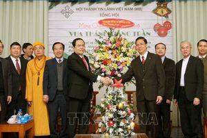 Chủ tịch MTTQ Việt Nam thăm, chúc mừng Lễ Giáng sinh 2018