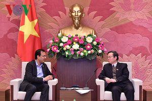 Phó Chủ tịch Quốc hội Phùng Quốc Hiển tiếp TGĐ Coca-Cola tại Việt Nam