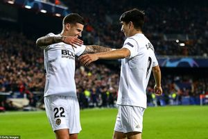 Real Madrid thua cực sốc, MU, Juventus cùng... bại