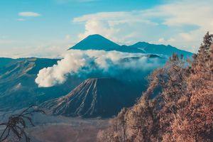 Đến Indonesia, chạm chân tới miệng núi lửa Bromo