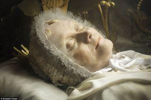 Kinh ngạc thi hài Thánh nữ tỏa hương nguyên vẹn suốt trăm năm