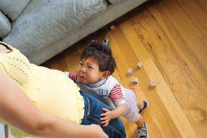 Trẻ con trước 6 tuổi có 4 biểu hiện này, bố mẹ phải sửa ngay trước khi quá muộn!