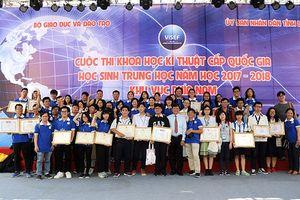 Thưởng 50 triệu đồng cho học sinh đạt huy chương vàng giải quốc tế