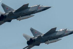 Tiêm kích Nga tung hỏa lực, chặn đứng tên lửa hành trình