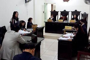 Nhiều sự việc 'lạ' xung quanh vụ ông Hoàng Xuân Quế kiện Bộ trưởng Bộ Giáo dục