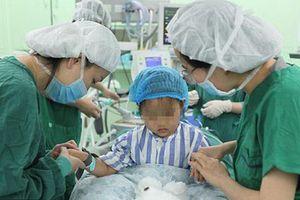 Phát hiện bé gái 3 tuổi mắc ung thư vú