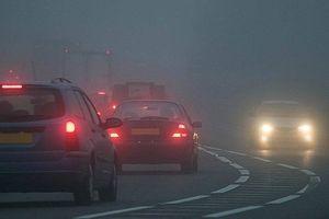 7 kỹ năng chạy xe ô tô an toàn khi đường nhiều sương mù