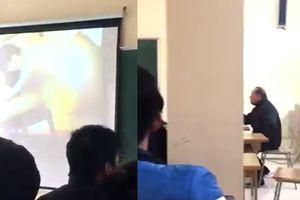 Giảng viên ở Hà Nội mở ảnh người mẫu khỏa thân, cả lớp náo loạn