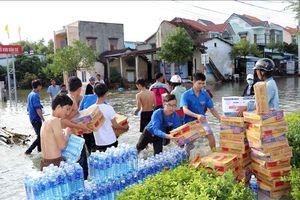 Điện thăm hỏi các tỉnh miền Trung bị thiệt hại do mưa lũ gây ra