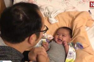 Quý ông thuê 6 phụ nữ mang thai hộ để thỏa ước mong làm bố
