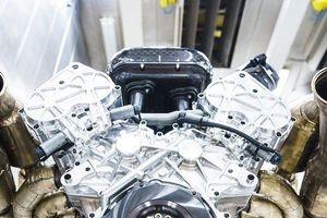 Mổ xẻ động cơ 'khủng' nhất thế giới trên siêu xe giá 75 tỷ đồng
