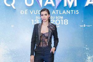 Minh Tú diện áo xuyên thấu gợi cảm táo bạo dự ra mắt phim 'Aquaman'