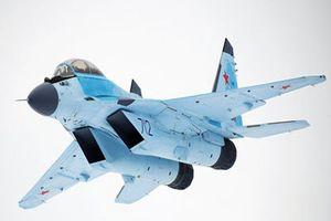 Khoảnh khắc 'chim sắt' MiG-35 Nga cất cánh thẳng đứng