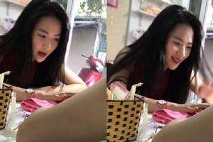 Biểu cảm cười nói vô tư ở tiệm làm móng tay, cựu hotgirl ĐH Sân khấu điện ảnh Hà Nội bất ngờ nổi tiếng vì quá xinh đẹp