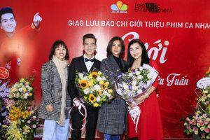 Cặp đôi 'Tuyệt đỉnh Song ca' Bùi Thúy - Hữu Tuấn ra mắt album 'Cưới' tri ân khán giả