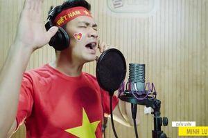 Diễn viên Tiến Luật, MC Nguyên Khang cùng nhiều nghệ sĩ gửi món quà đặc biệt đến tuyển Việt Nam trước chung kết AFF Cup