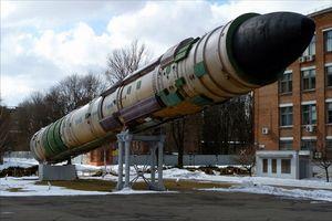 Nga 'hoảng hồn' khi Ukraine chính thức cảnh báo sẽ tái trang bị vũ khí hạt nhân