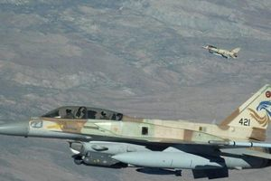 Không lực Isarel tiến hành các chuyến bay tầm thấp dọc biên giới Syria