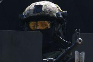 Đặc nhiệm Nga nhận ''siêu vũ khí' có thể xuyên thủng cả áo chống đạn